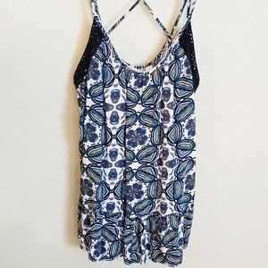 Flowy Tank Top with Beautiful Pattern Size Large